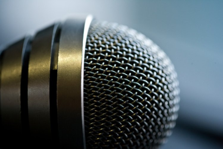 Todos los cantantes necesitan un micrófono para proteger su voz.