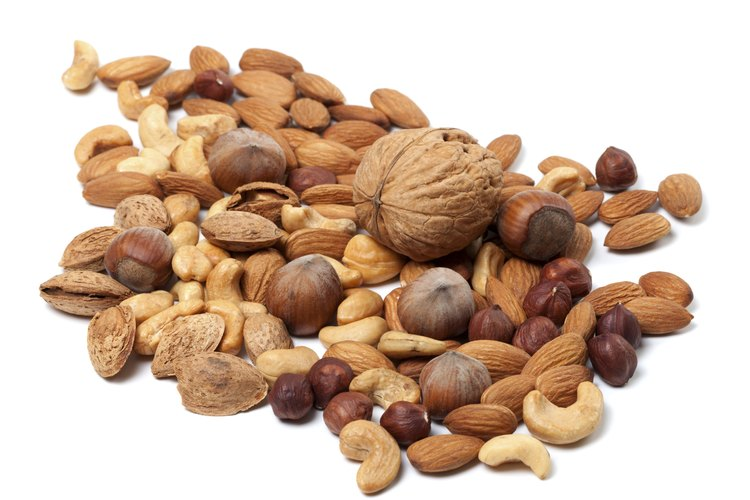 Evita las macadamias y otros frutos secos. En su lugar ofrécele mantequilla de maní.