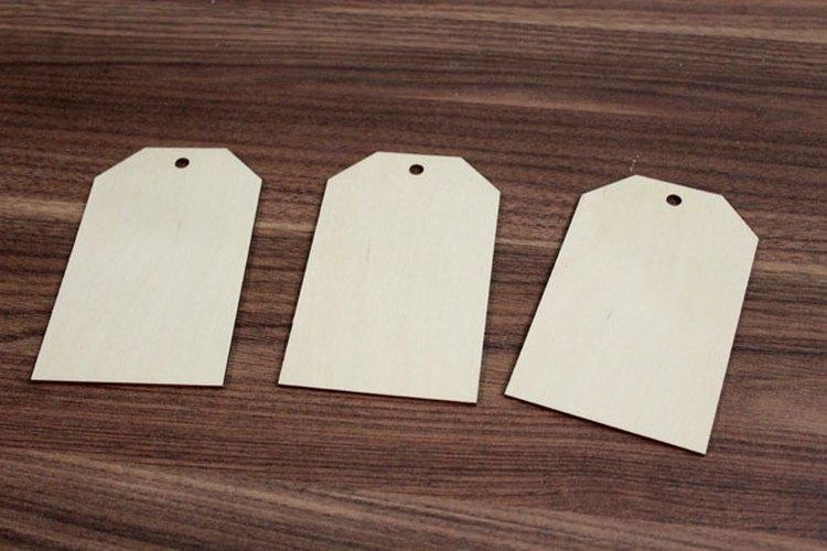 Las etiquetas de madera para el equipaje.