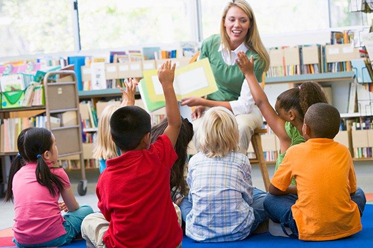 Aprender modales, como esperar el turno, ayudará a los niños durante el resto de su vida.