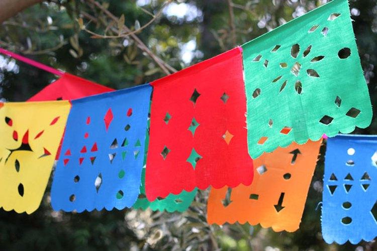 Guirnaldas de banderines mexicanas.