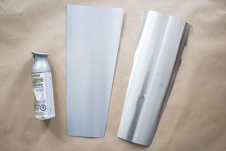 La imagen refleja la diferencia entre un aspa pintada (la de la izquierda) y una sin pintar (la de la derecha).