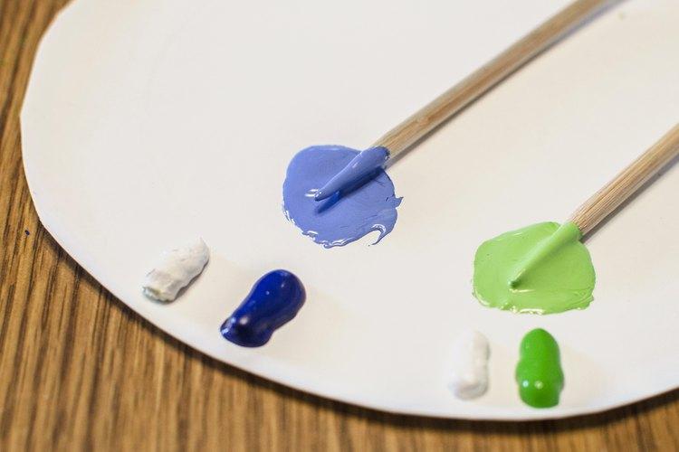 Para aclarar tonos, usa pintura blanca.