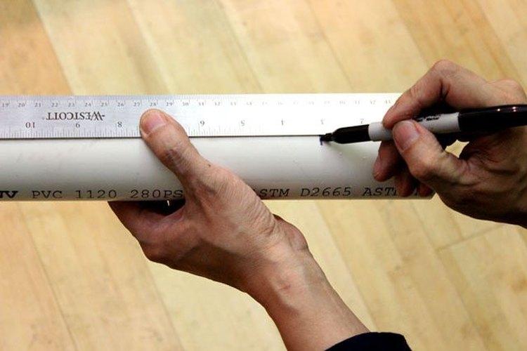 Marca el tubo de PVC.