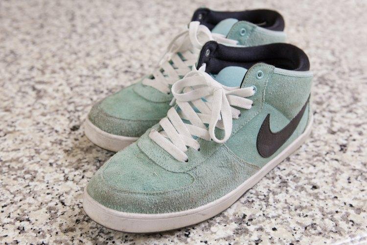 Cómo limpiar calzado de imitación gamuza.