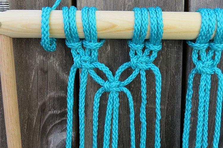 Usa dos hebras de cuerdas de cada sección.