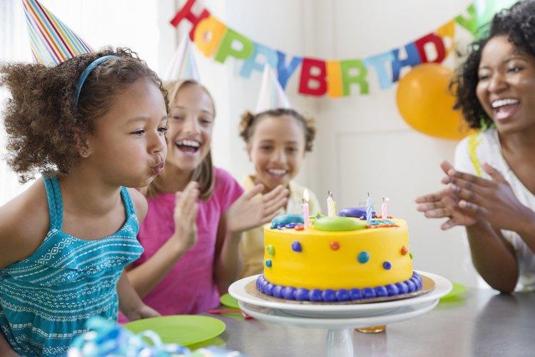Cantar el feliz cumpleaños se ha vuelto una tradición popular.