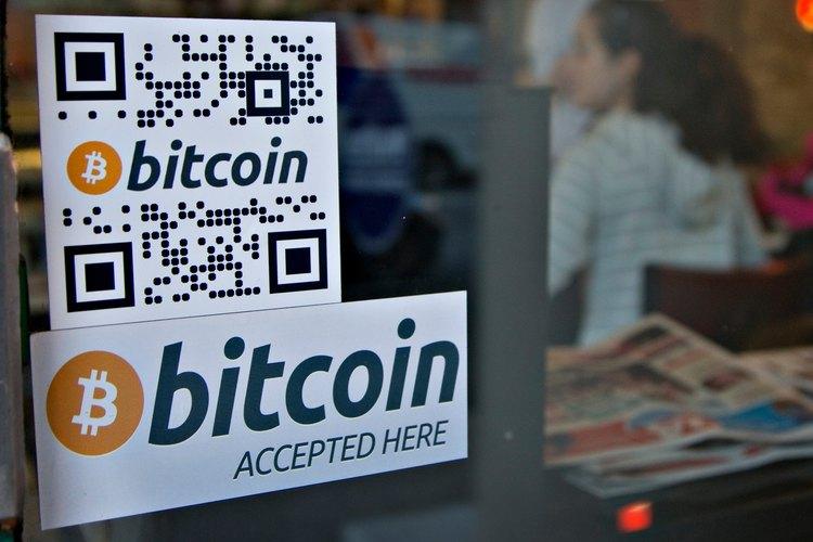 Si tienes una tienda y quieres innovar en nuevas maneras de conseguir clientes, puedes aceptar bitcoins.