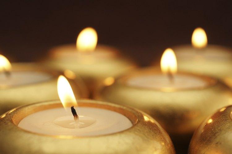 Las velas generan una combustión que ayuda a mantener la temperatura de la habitación.