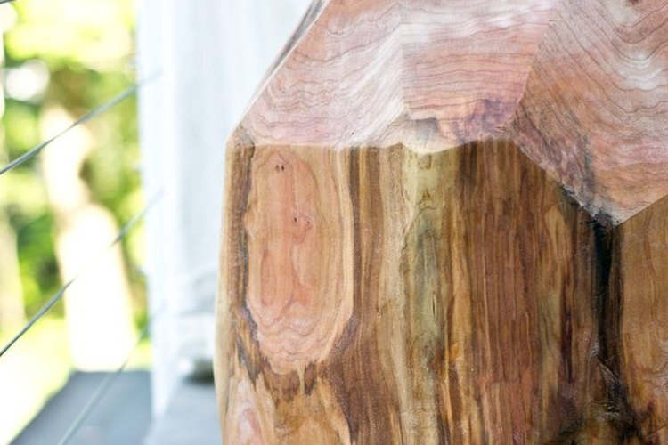 Usa un sellador claro para ver la veta de la madera.