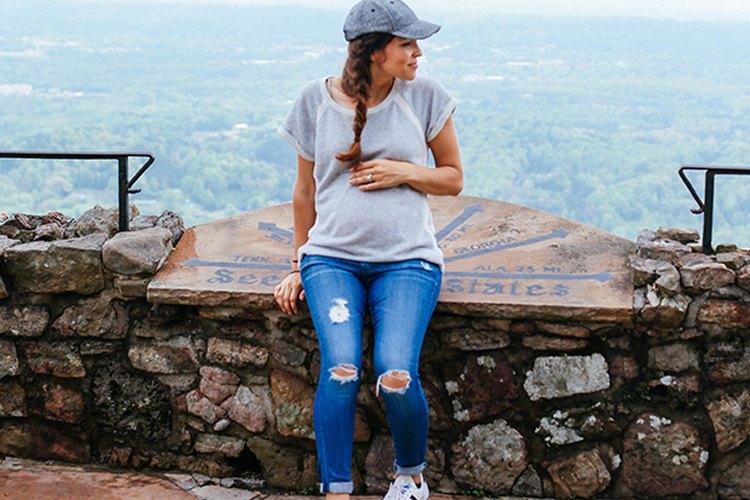 La ropa del segundo trimestre del embarazo debe acomodarse al crecimiento de tu vientre.