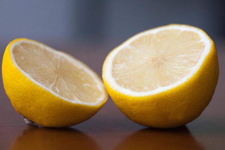 El limón tiene propiedades antioxidantes.
