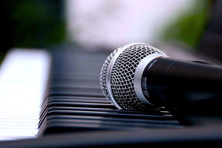 En Curso de canto aprenderás lo básico y podrás profundizar para introducirte en un saber que te permitirá expresarte a través de la voz.
