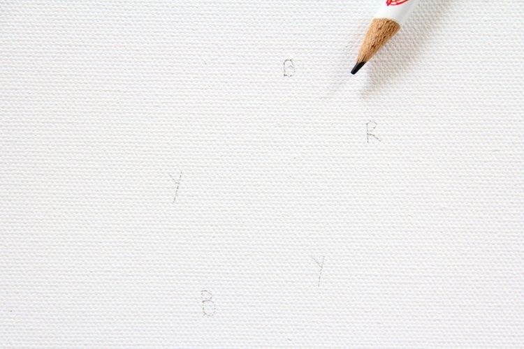 Marca el lienzo para facilitar el proceso de pintado.