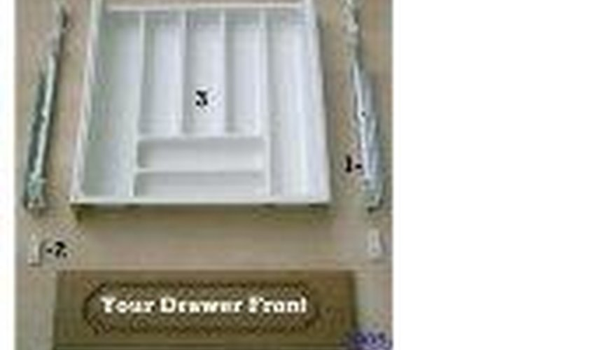 Plastic cutlery drawer with slides