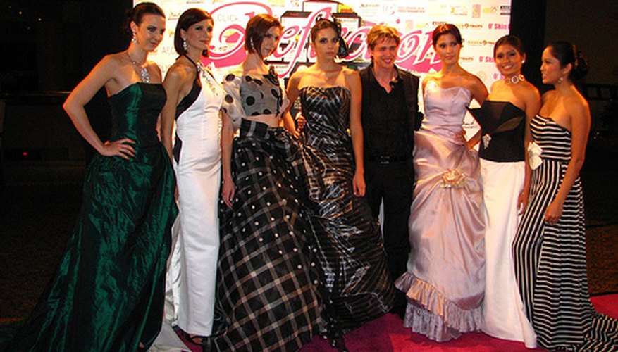 Models posing on the Red Carpet.