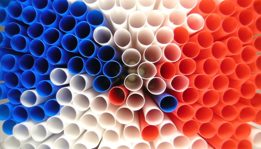 Straws come in a variety of colours.