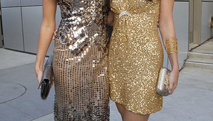 There are easy ways to keep glitter from falling off sparkly dresses