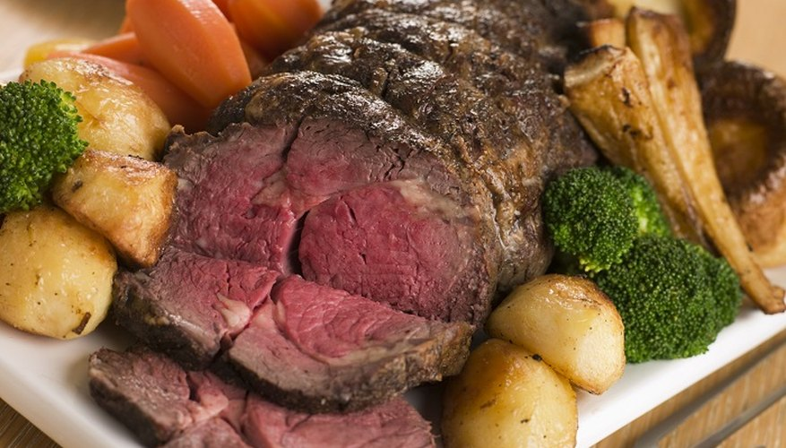 Depending on its size, a beef knuckle roast requires one to two hours of cooking time.