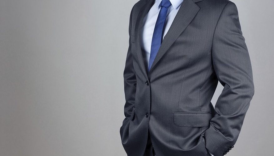 Plain ties go well with almost any suit and shirt combination.