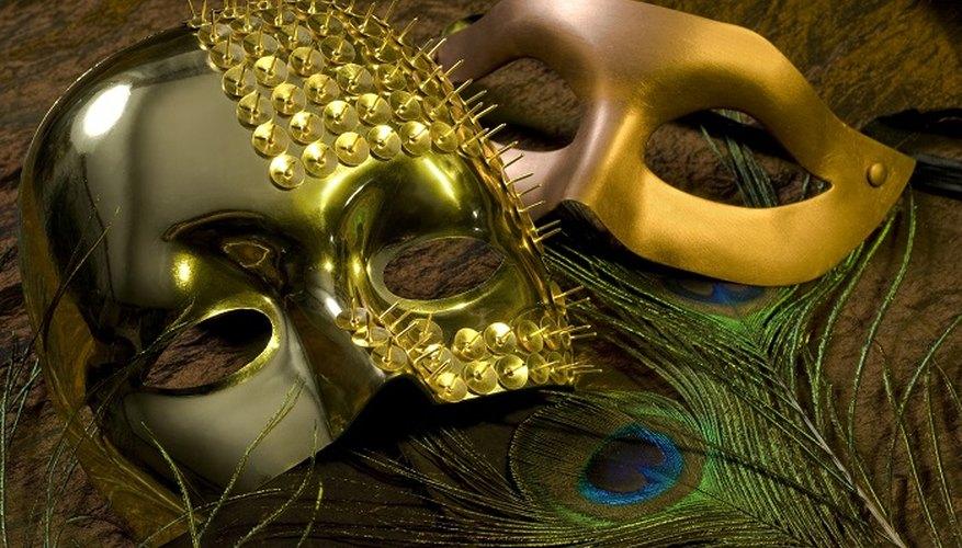 Make scary masks with modroc.