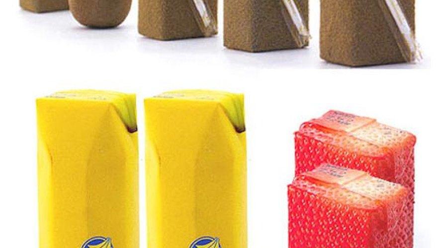 Naoto Fukasawa recreó las cáscaras de las frutas para hacer envoltorios para jugos.