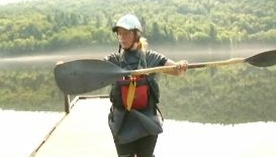 How to Hold a Kayak Paddle