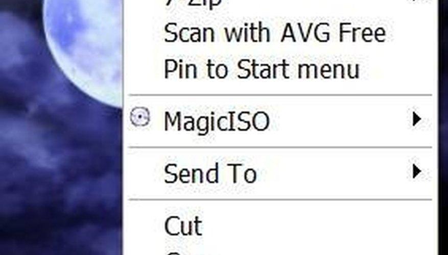 Ve hasta el archivo del cual deseas eliminar la extensión, haz clic derecho sobre él y haz clic en