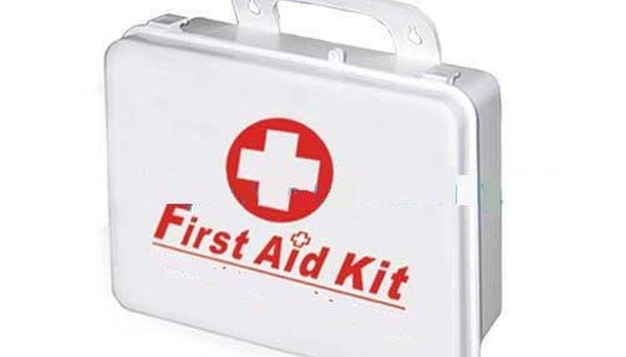 Todos en el salón necesitan saber la ubicación del botiquín de primeros auxilios.