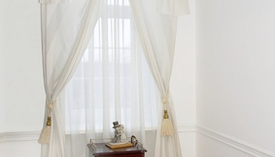Swagged curtains can look very elegant.