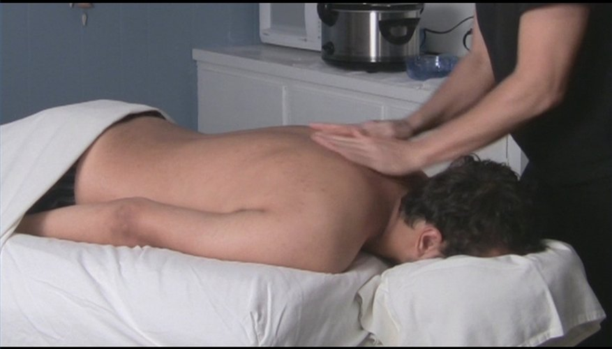 How to Prepare a Client for a Hot Stone Massage