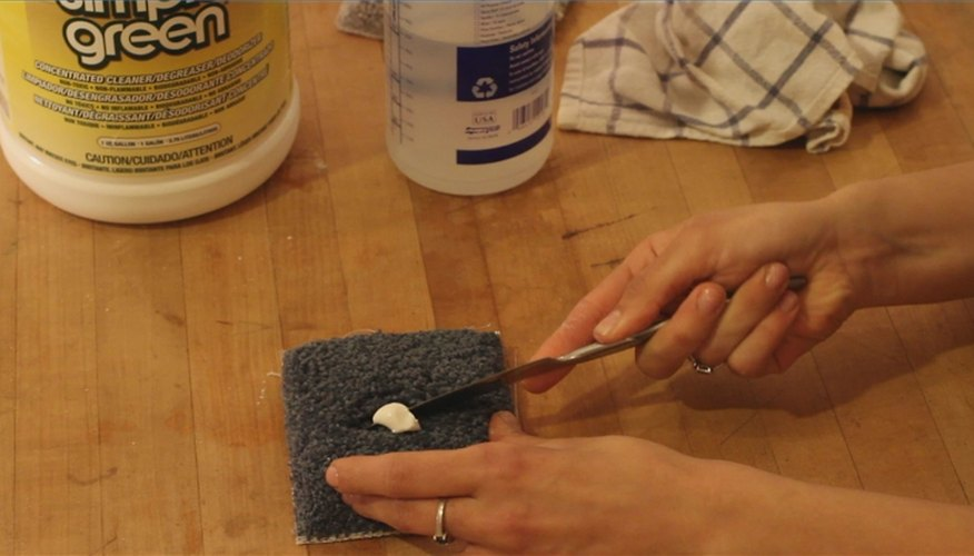How to Remove Toothpaste Stains from a Carpet