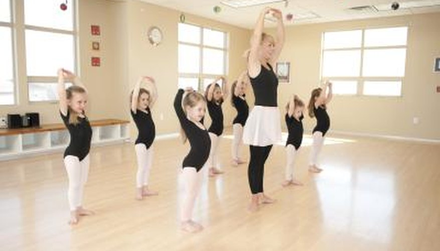 little girl ballet class
