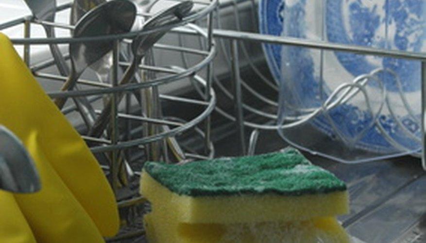 Los productos de limpieza y jabones son fabricados por empresas de gran consumo entre las principales FMCG.