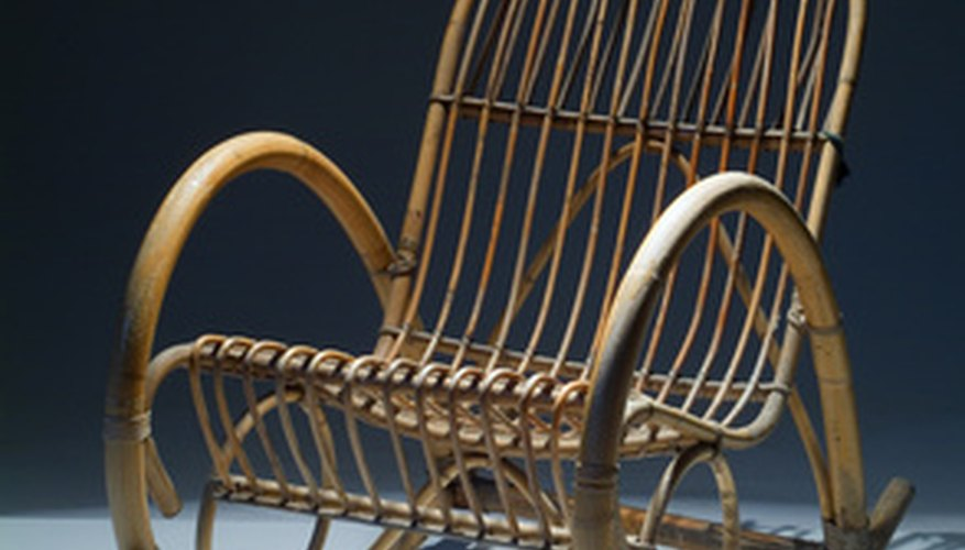 Use pegs to make a rocking chair.