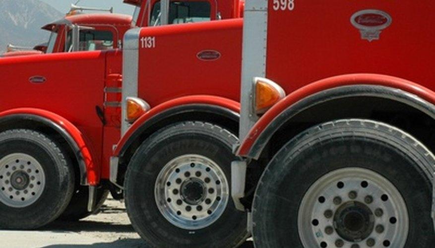 Los conductores de camiones deben poseer una licencia otorgada por la CDL para operar un camión.