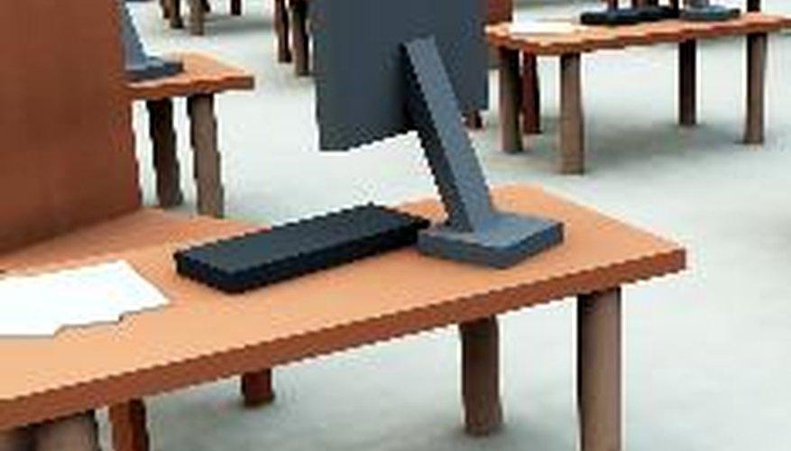 Colocación correcta de los equipos informáticos y periféricos.
