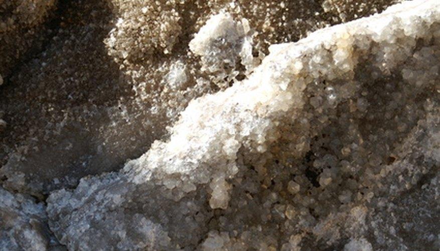 El yeso ayuda a los suelos con poco drenaje.
