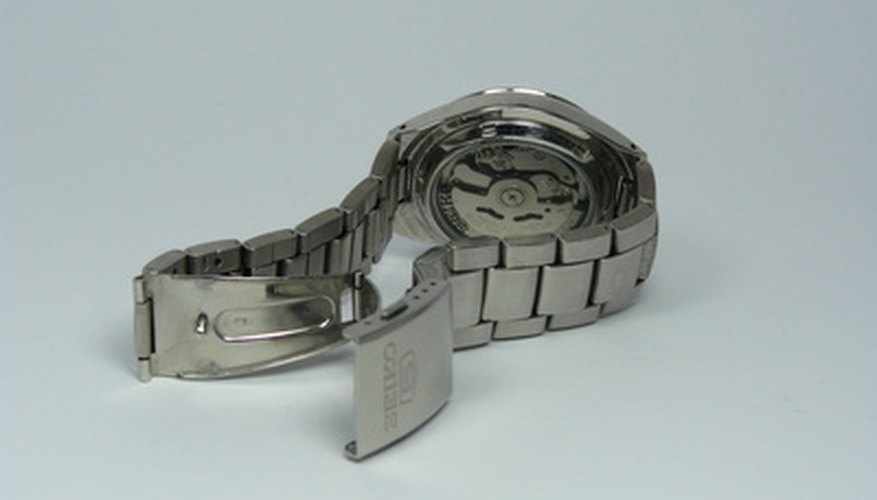 Remove watch links to shorten the length of your Citizen Eco-Drive watchband.