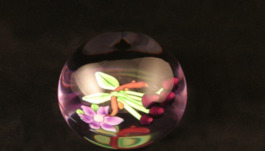 Flowers set in resin retain their shape and colour.