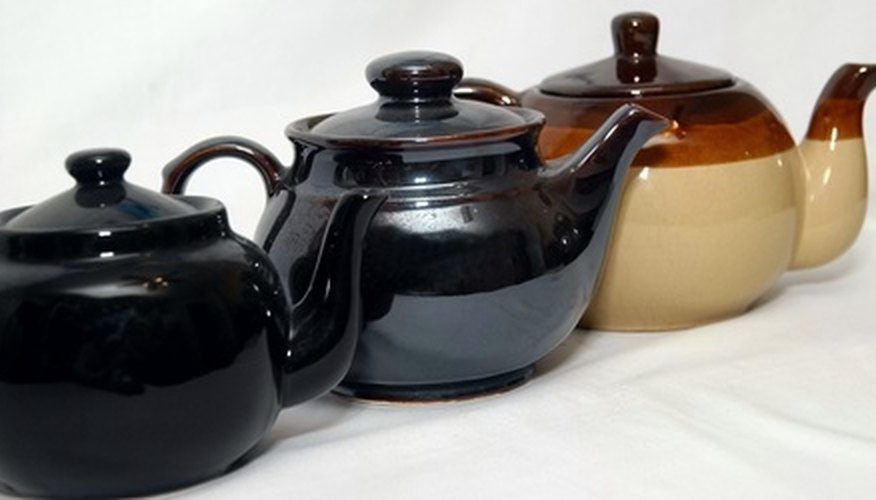 Learn how to research maker's marks on collectable teapots.