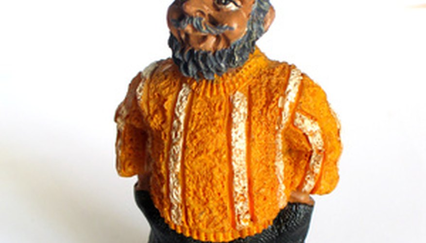 Chalkware figurines for painting are still sold in hobby shops.