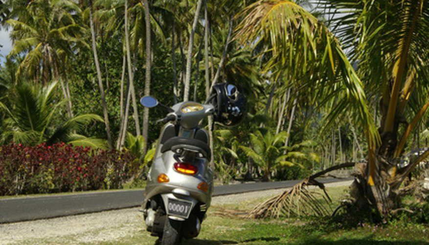 Make your Honda Vision moped faster by altering its air intake and variator system.