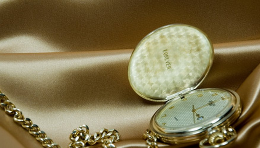 Engrave a birthday gift to personalise it and send a special message to the birthday celebrant.
