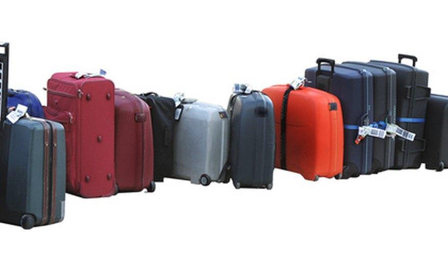 Pesa y mide el equipaje antes de llegar al aeropuerto para evitar cargos adicionales.