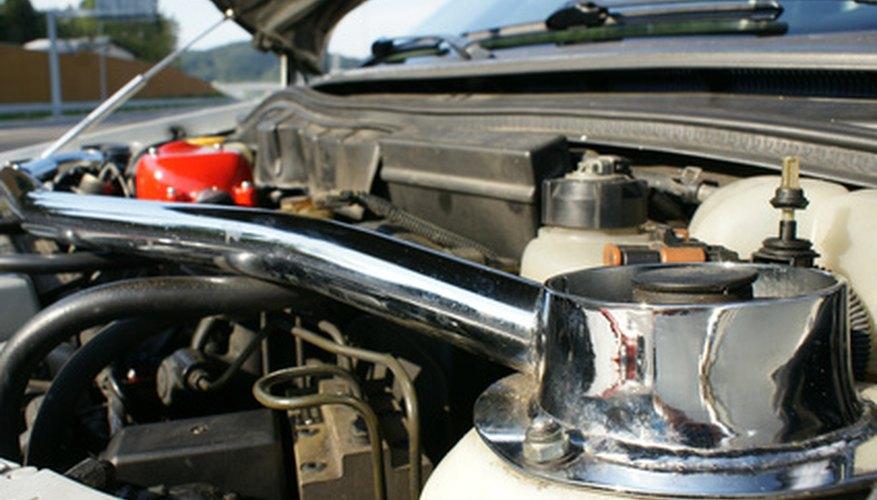 Replace the fan belt in your Citroen Saxo for proper maintenance.