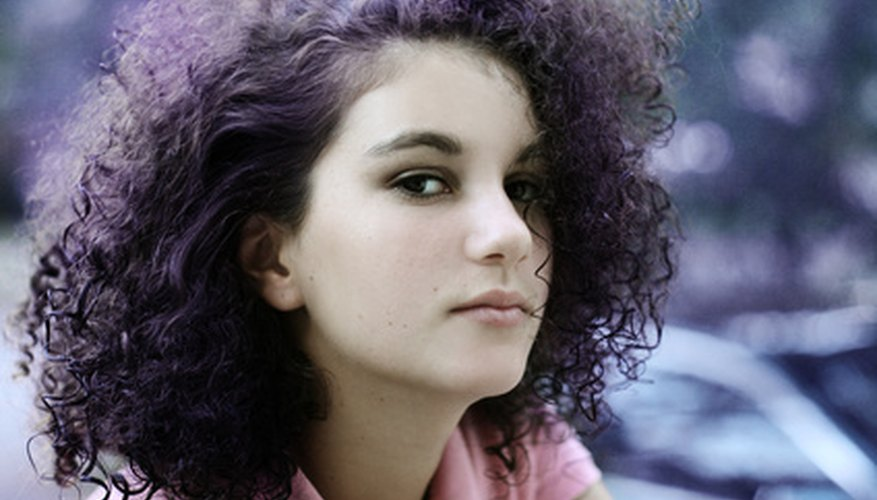 Baking soda is a natural texturizer that softens and lengthens curls.