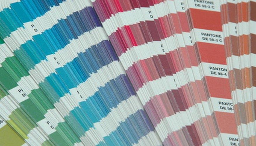 El vidrio ofrece poca flexibilidad en términos de color, en comparación con los otros materiales de empaque, tales como el cartón.