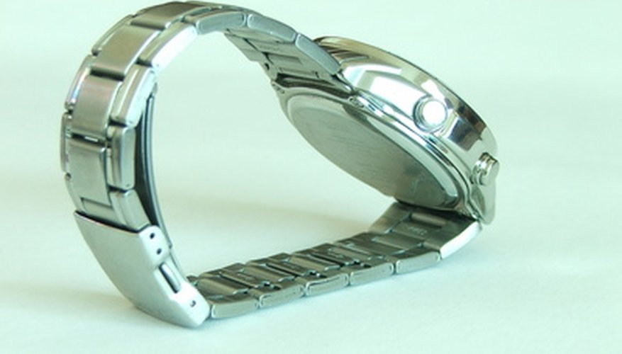 Remove links from your Pulsar watchband for a perfect fit