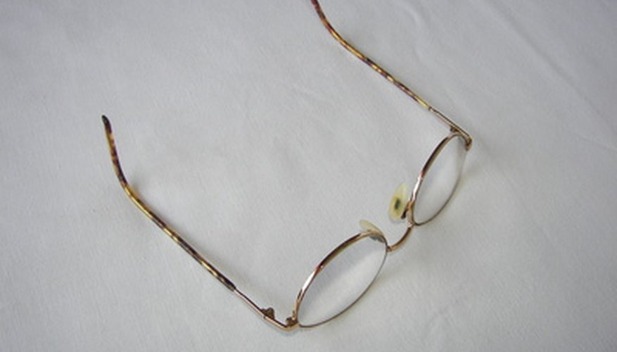 When the lens of your glasses breaks off your frame, it can be frustrating.